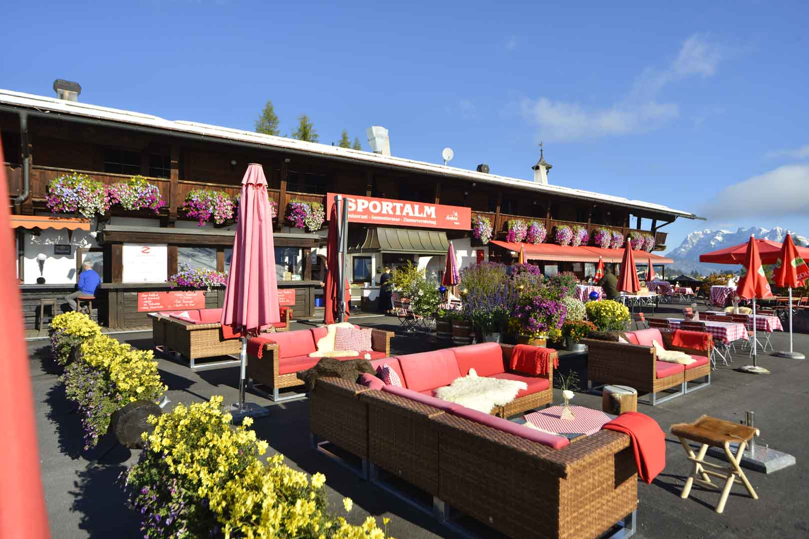 sportalm-seefeld-tirol-bar-restaurant-schneebar-lounge-08